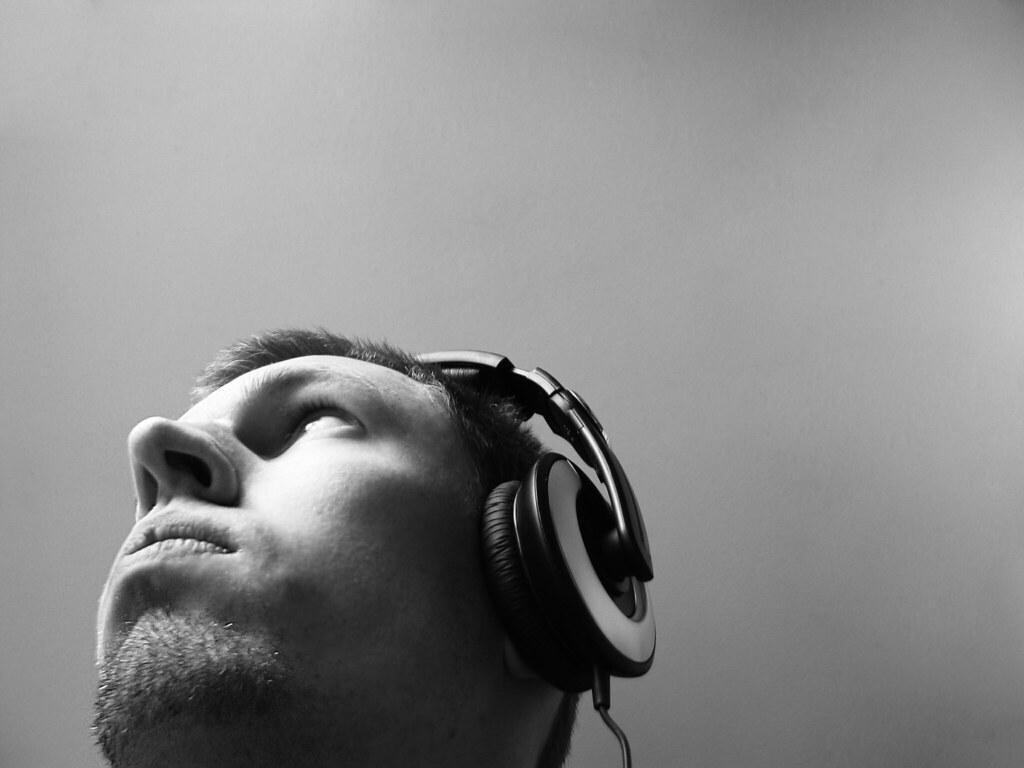 Música al azar (Google como experiencia creativa)