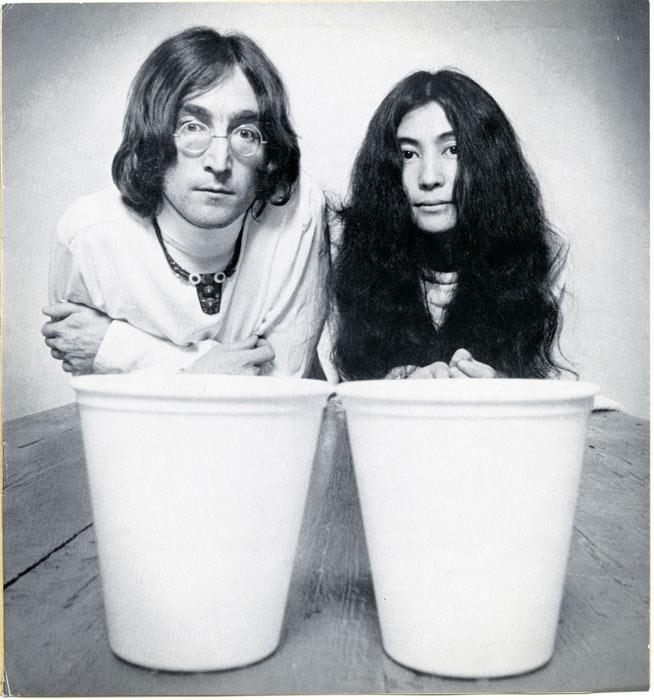 La culpa de todo, ¿o no?, la tiene Yoko Ono