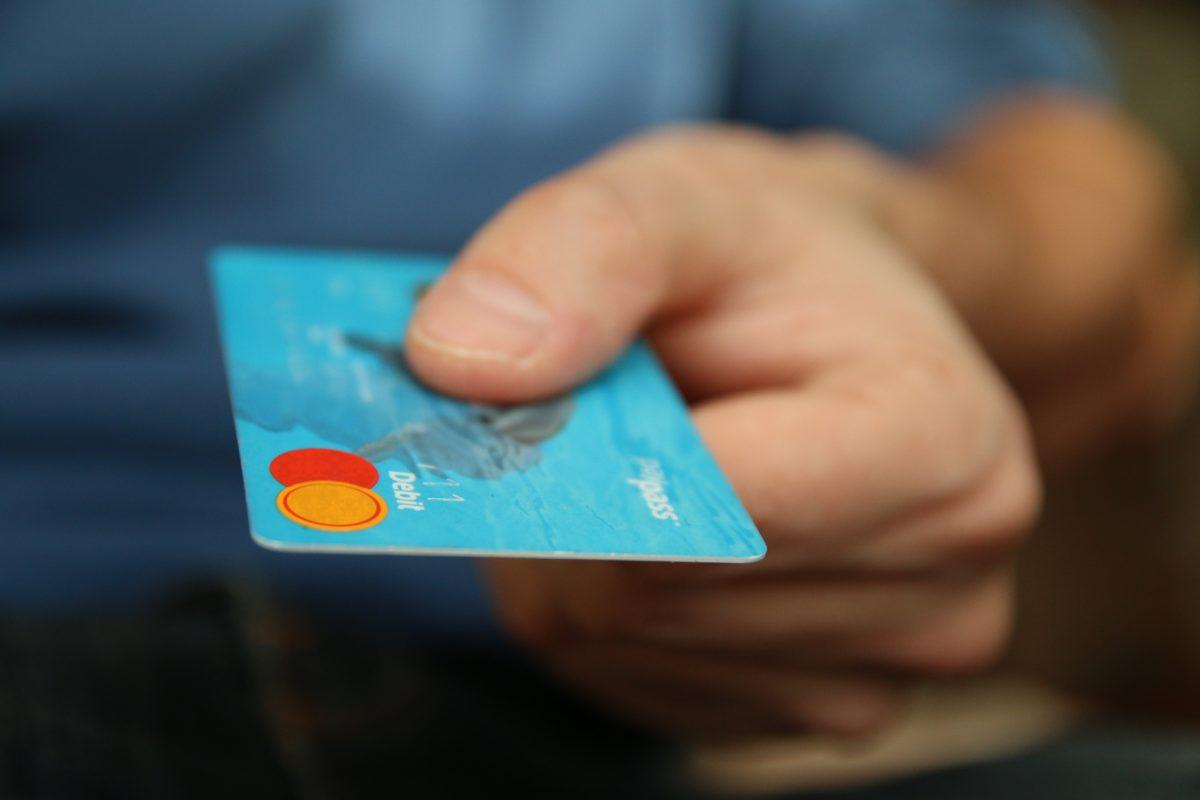 tarjeta empobrecimiento ilicito