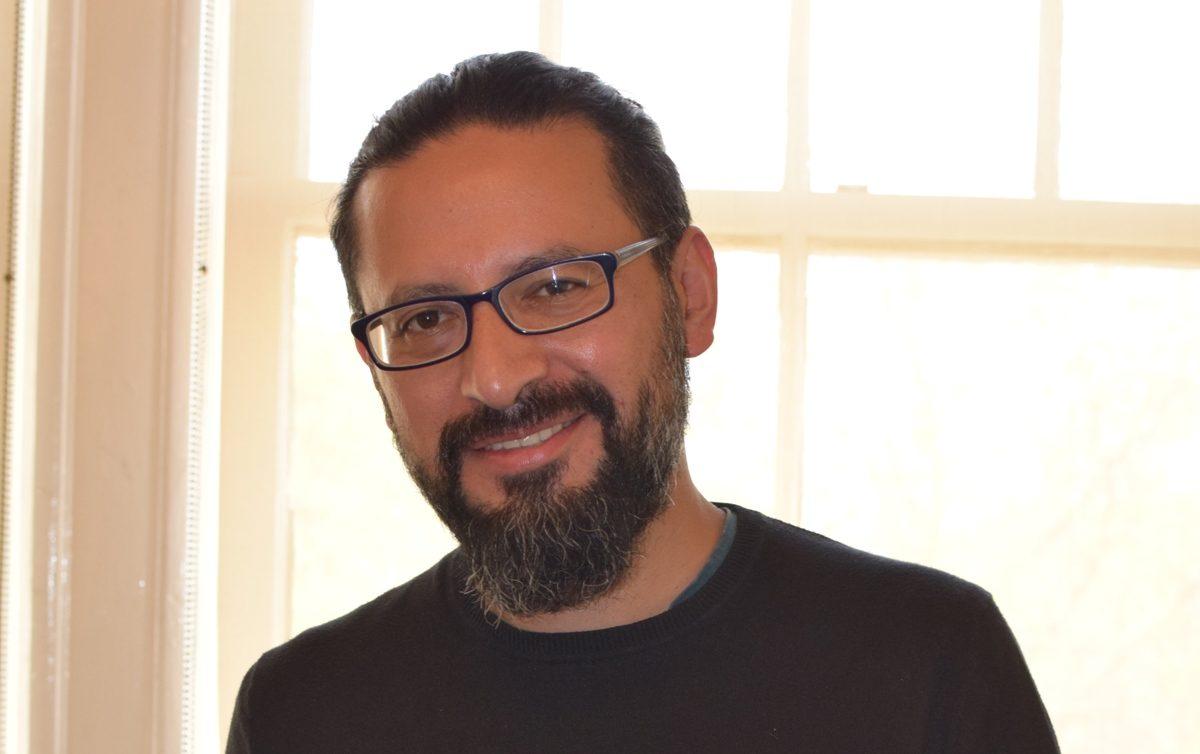 """""""En la crónica hay que evitar que ganen los prejuicios y el compromiso"""". Entrevista con Jezreel Salazar"""