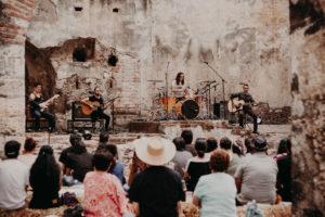 Monodram: entre los fantasmas de los Rolling Stones y el sax de Adrián Terrazas